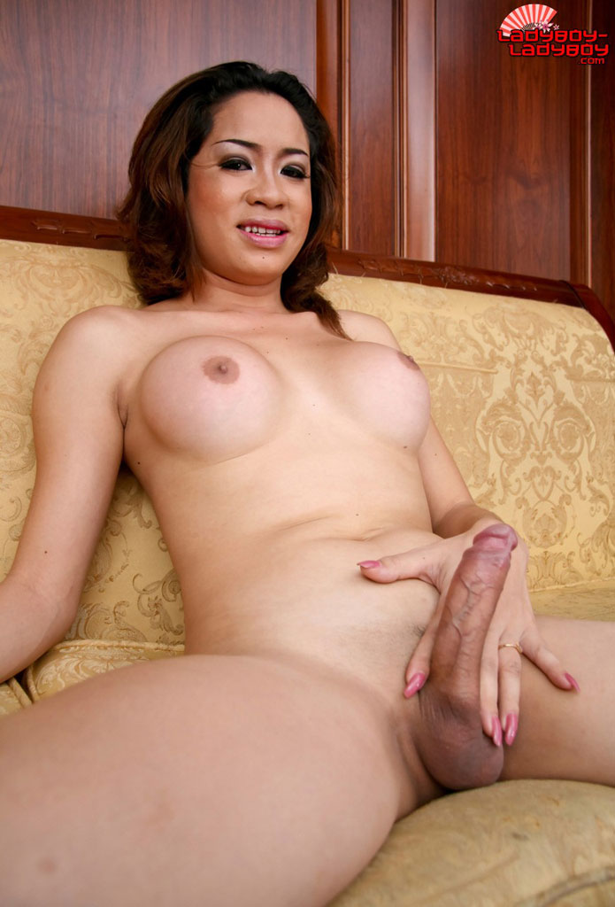 Tranny surprise and girls movies